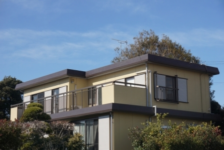 フラット屋根の家