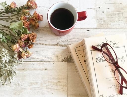 ドライフラワーとコーヒー